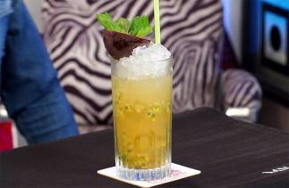 Caipiroska sedano e passion fruit - Cocktail House - Trentesima Puntata