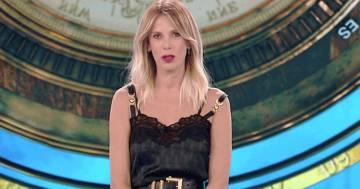 L'isola dei famosi: Alessia Marcuzzi si scusa in diretta con Riccardo Fogli