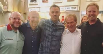 'Beverly Hills 90210': il cast organizza una raccolta fondi in onore di Luke Perry