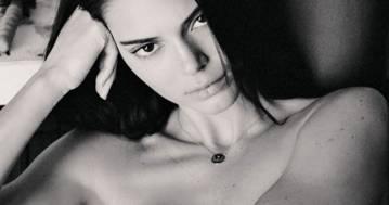 Kendall Jenner più sensuale che mai: la foto in intimo scatena i fan