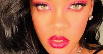 Rihanna in mini dress e capelli rosso fuoco: su Instagram la cantante è bollente