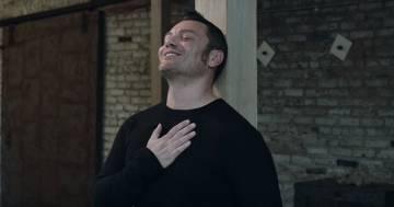 """Tiziano Ferro: ecco il video di """"In mezzo a questo inverno"""""""