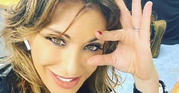Sabrina Salerno si cimenta nella pole dance: il post è apprezzatissimo dai fan