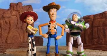 """Due ragazzi hanno rifatto """"Toy Story 3"""" in stop-motion usando i giocattoli del film: è incredibile"""