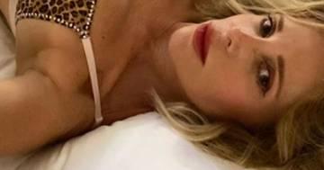 Alessia Marcuzzi: il suo selfie in intimo seduce i follower di Instagram