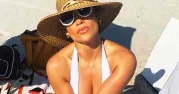 Jennifer Lopez in bikini: le immagini dalla spiaggia sono bollenti
