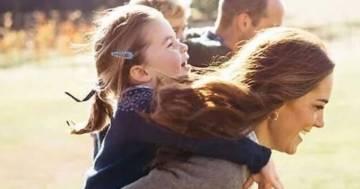 Kete Middleton a 20 anni: capelli ricci e schiuma party, la foto conquista i fan