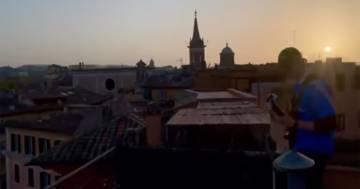 Morricone risuona nel silenzio di Roma a Piazza Navona