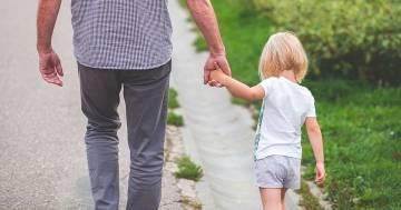 Coronavirus: è possibile passeggiare fuori casa con i propri figli, ecco tutti i dettagli