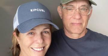 Tom Hanks e la moglie stanno meglio: 'Ci vorrà un po' di tempo ma state a casa'