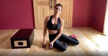 L'allenamento di Elisabetta Canalis: gli esercizi per rassodare i glutei
