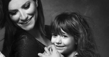 """Laura Pausini sul Coronavirus: """"Rassicurate i vostri bambini ma ditegli la verità"""""""