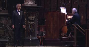 L'emozione del concerto di Andrea Bocelli nel Duomo di Milano