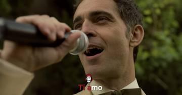 Karaoke De Papel: Berlino de La Casa di Carta canta 'Ti amo'