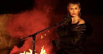 Miley Cyrus: la sua cover di 'Wish You Where Here' dei Pink Floyd da casa