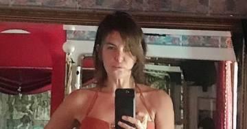 Il selfie in bikini di Alba Parietti: 'Fiera dei miei anni'