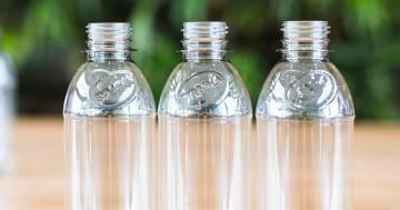 Addio alla plastica con le bottiglie realizzate con materiale vegetale