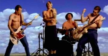 Red Hot Chili Peppers: 'Californication' compie 21 anni