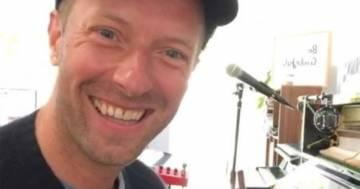 Chris Martin canta 'Viva La Vida' accompagnato dai fratellini di Agrigento