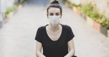 Mascherine ed irritazioni del viso: come prendersi cura della propria pelle