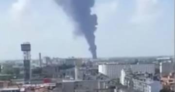 Venezia: incendio in una ditta le immagini dell'enorme colonna di fumo