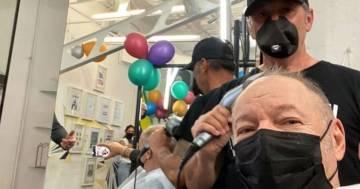 Vasco Rossi ritorna dal parrucchiere: il post e le dovute distanze