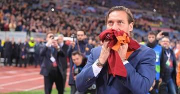 """Francesco Totti perde l'orologio e chiede aiuto ai fan: """"Verrò di persona a riprenderlo"""""""