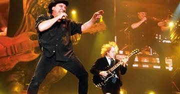 AC/DC: compie 40 anni la strepitosa 'Shoot to Thrill'