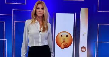 Adriana Volpe: la sua prova costume a 47 anni è perfetta