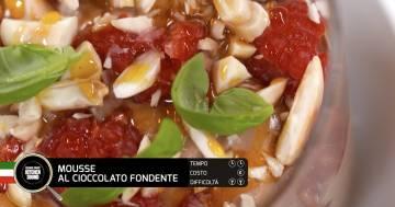 Mousse al cioccolato fondente e peperoncino con gelé di passion fruit e zabaione al marsala - Alessandro Borghese Kitchen Sound - TÊTE-À-TÊTE
