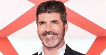 Paura per Simon Cowell: il re dei talent show cade dalla bici elettrica e si rompe la schiena