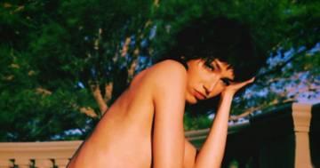 """Tokio de """"La casa di carta"""" è più sensuale che mai: la foto in topless scatena i fan"""