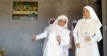 Un gruppo di suore balla 'Jerusalema': il video conquista TikTok