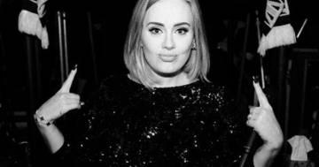 Adele al Saturday Night Live era in forma smagliante: il nuovo look ha conquistato i fan