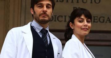 """""""L'allieva 3"""": la bellissima sorpresa che Alessandra Mastronardi ha fatto sul set a Lino Guanciale"""