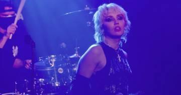 """I Cranberries elogiano Miley Cyrus per la sua cover di Zombie: """"È una delle migliori mai fatte'"""