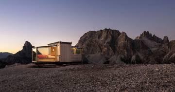La bellissima stanza d'hotel costruita in cima alle Dolomiti