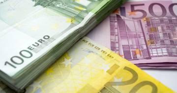 """Regala un """"gratta e vinci"""" a quattro senzatetto e vincono 50.000 euro"""