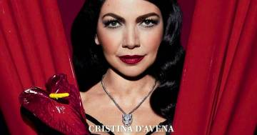 Cristina D'Avena più sensuale che mai sulla nuova copertina di Vanity Fair