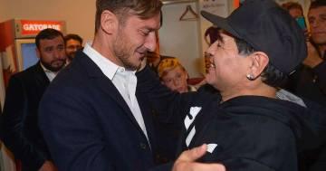 L'ultimo saluto di Francesco Totti a Diego Armando Maradona