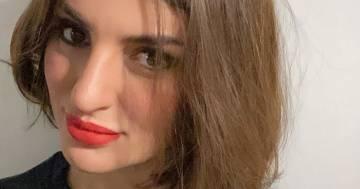 Arisa dedica una poesia alle donne e pubblica una foto in cui (finalmente) si piace