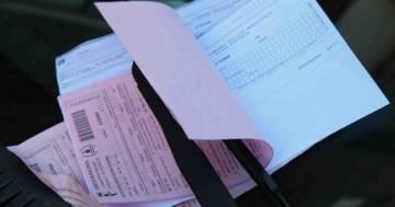 Attenzione alla 'truffa del finestrino': una multa che paghiamo anche se non è nostra