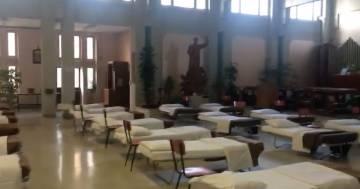 Covid: ospedali al limite, si creano posti letto anche nelle chiese