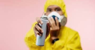 Il biologo Angelo Vescovi rivela che uno spray nasale può fermare il coronavirus