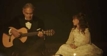 """Andrea Bocelli e la figlia Virginia cantano insieme """"Hallelujah"""": il video è emozionante"""