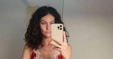Paola Turani si mostra senza filtri e lancia un messaggio molto importante
