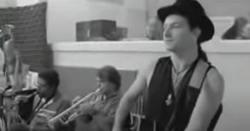 U2: compie 32 anni 'Angel of Harlem'