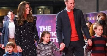 Ecco la cartolina di Natale dei Duchi di Cambridge: il principe Louis ruba la scena