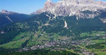 Cortina d'Ampezzo , parroco cerca nuovo sacrestano: arrivano centinaia di candidature