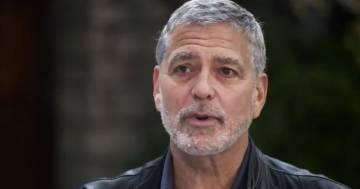 George Clooney svela un segreto sui suoi capelli